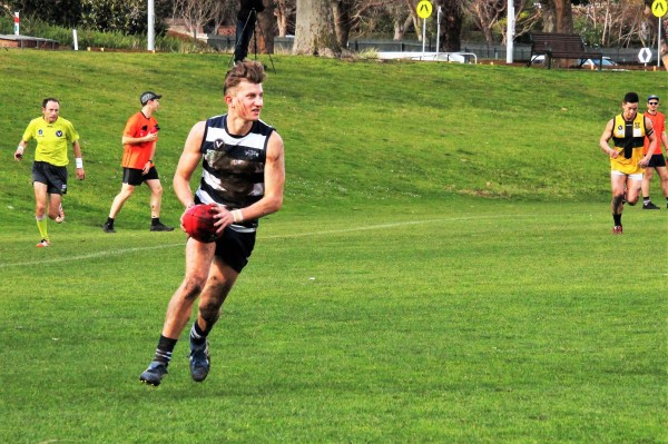 SIMSON TAKES OUT MEN'S SENIORS BEST & FAIREST